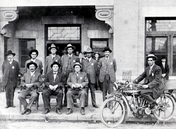 1912 WFPD in front of City Hall 9th and Ohio